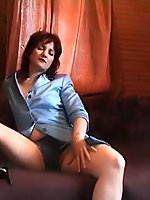 Naughty mom cunt rubbing in voyeur movies