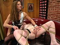 David has come to Kym Wilde for some basic slave training.