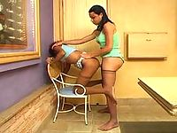Sweltering shemale in tan tights savoring pussy-pounding fun on the table