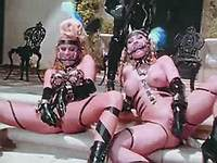 Latex lesbo sluts have fun in orgy
