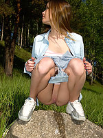 Spying on exciting beautiful teen peeing in the park