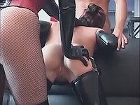 Beautiful latex girl does blowjob