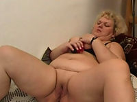 Chubby mature whore tests her brand-new sex toy