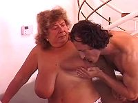 Granny whore with stretched cunt