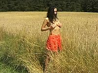 Fascinating teen, demonstrating all the peculiarities of her astounding body just in the field!