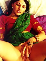 Indian lady fingers herself