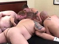 Five mature gays suck cocks in group